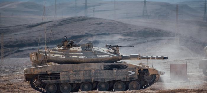 以色列推出搭载AI系统坦克还能用VR进行训练