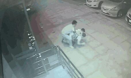 """桂林警方通报""""ATM机被安装盗取信息设备"""":已抓获一嫌犯"""