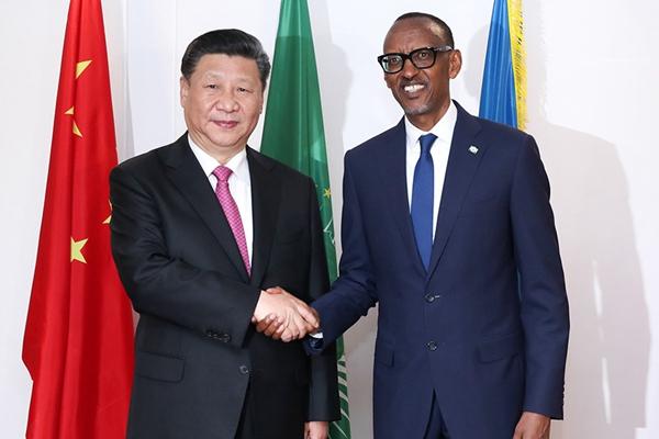 习近平抵达达基加利 同卢旺达总统卡加梅举行会谈