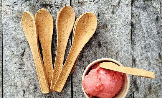 这些发明简直是吃货的福音 用玉米做的勺子一定很香甜