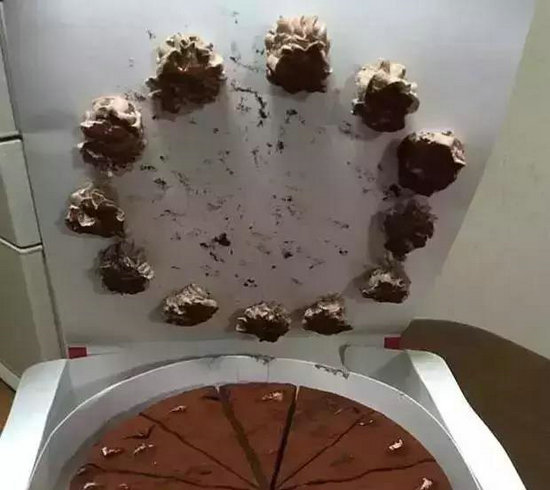 """生活中那些""""乐极生悲""""的瞬间 这样的蛋糕令人绝望"""