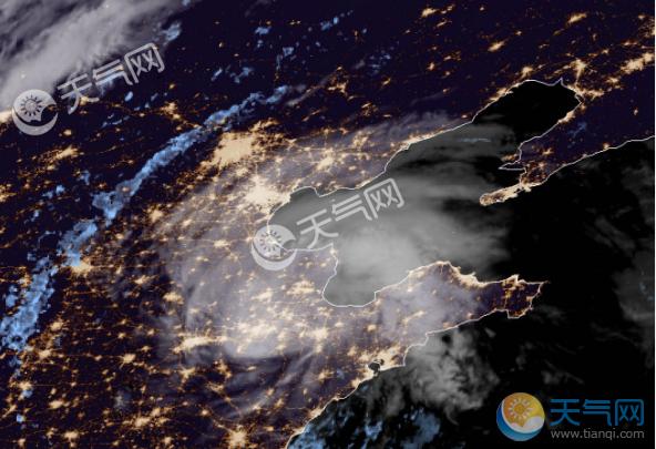 2018年10号台风最新消息 安比携风雨到达天津强度还没减弱
