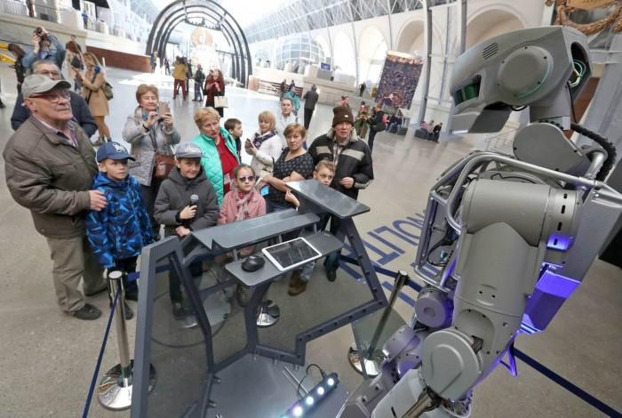俄罗斯太空机构将派遣机器人机组成员前往ISS
