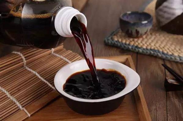酱油吃多了皮肤变黑还致癌?酱油:这锅我不背