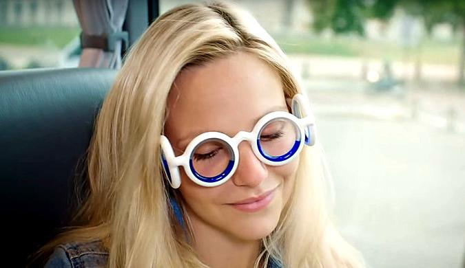 雪铁龙进军眼镜业?创新型无镜片眼镜可防止晕车