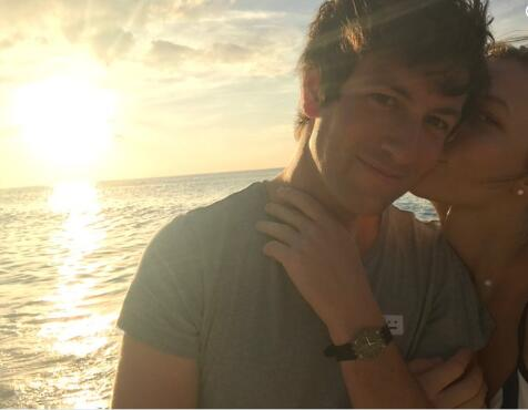 超模卡莉•克劳斯宣布与约书亚•库什纳订婚