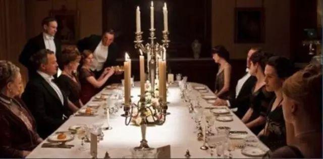 西餐礼仪:12招教你做到优雅的用餐姿态!