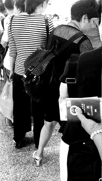 入境越南被索小费 游客拒交遭刁难