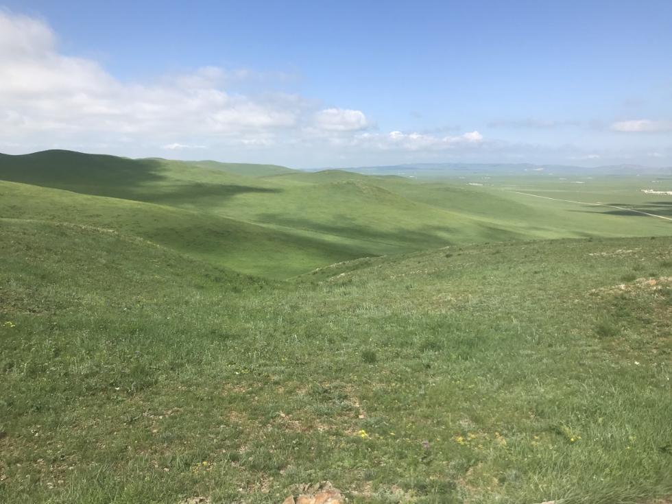 【新时代•幸福美丽新边疆】媒体人眼中的大草原是什么样的?
