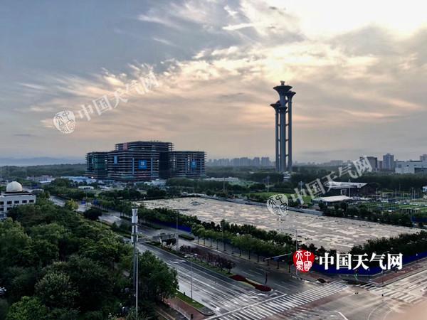 """北京开启连续桑拿天 今起一周""""白加黑""""均体感闷热"""