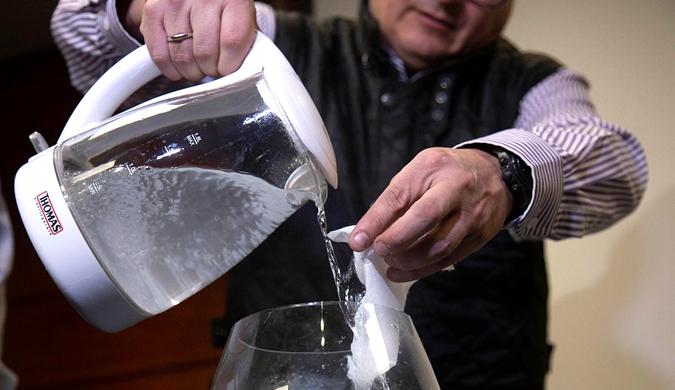 智利工程师发现替代塑料新材料 全溶解于水没有油衍生物