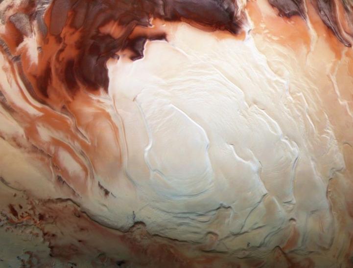 火星上发现第一个液态水湖 专家:可能存在生命