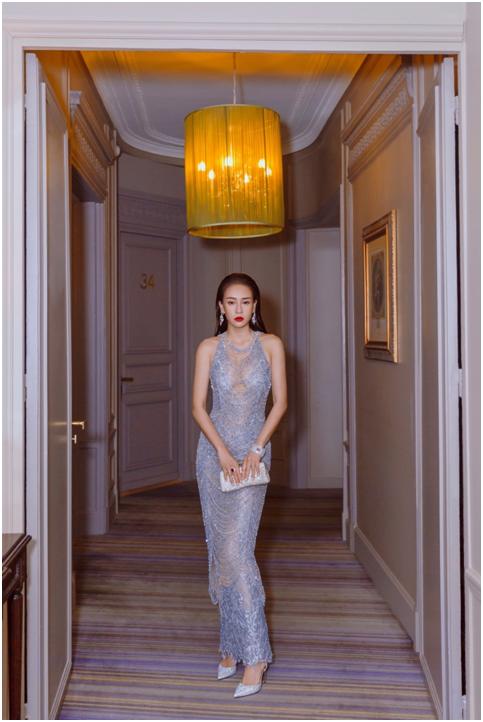 母其弥雅转型成时尚ICON 国际脸征服巴黎备受瞩目