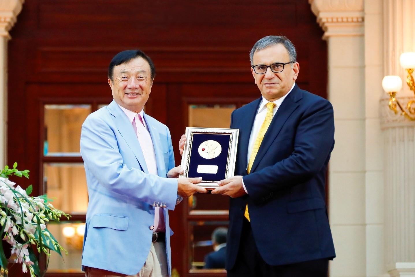 华为颁奖Polar码之父,致敬基础研究和探索精神