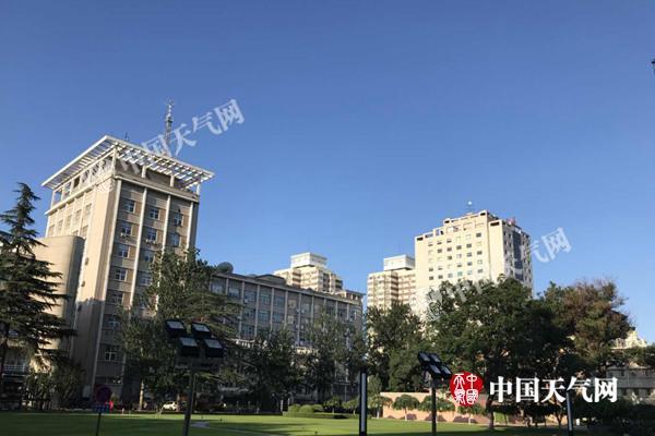 """北京回归""""烧烤+蒸煮模式"""" 今天白天需防晒夜间需防雨"""