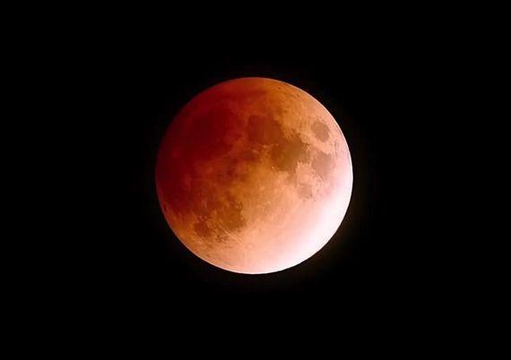 """本周五晚""""血月""""和""""火星冲日""""将同时登场"""