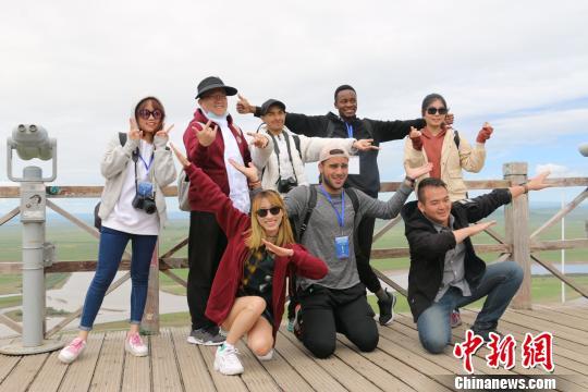 15国在华留学生走进四川若尔盖 感受藏区新面貌