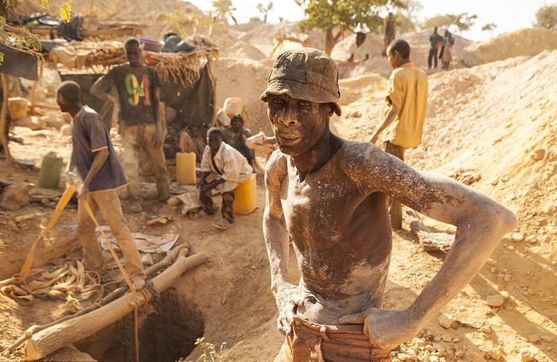 澳摄影师环游世界用镜头记录极端环境下的劳工