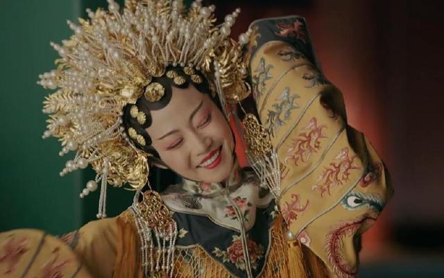 《延禧攻略》高贵妃穿戏服 上演真人版贵妃醉酒