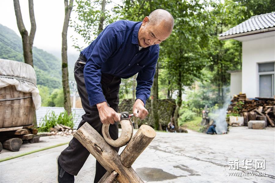 (文化)(3)吴开学与他的顶塘鼓