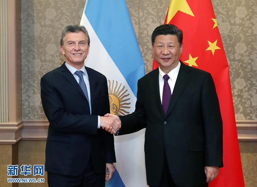 习近平会见阿根廷总统