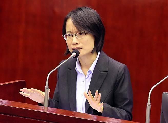 民进党为何坚持不换吴音宁?网友分析关键三原因
