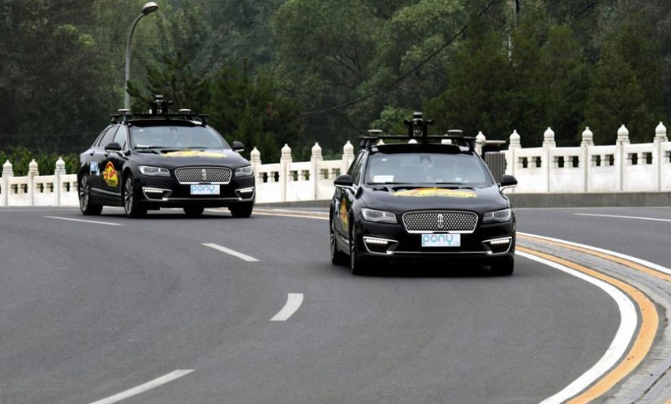 """中国创企展开无人车""""竞赛"""" 争夺中国无人车市场"""