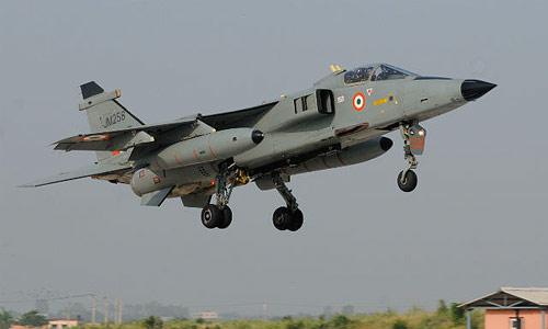 印度花巨资升级美洲虎战机 还满世界收购二手机