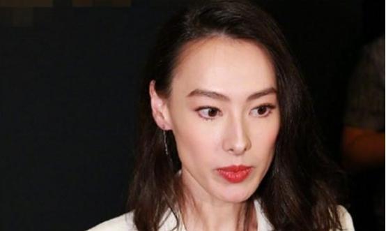 梁洛施与郑秀文舒淇等聚会,六个女人全部素颜,网友:吃了防腐剂