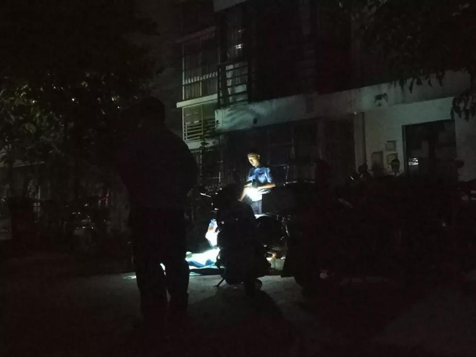 因看电视换台与家人起争执,柳州一男青年从九楼跳下身亡