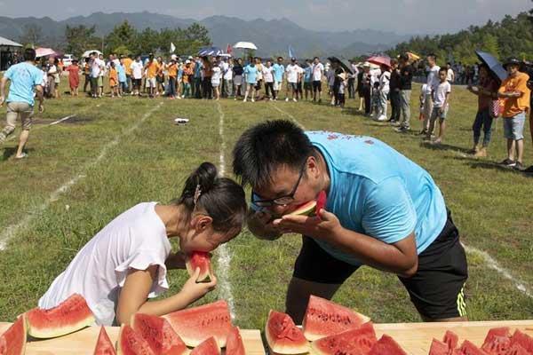 安徽黄山:西瓜趣味运动会欢乐上演