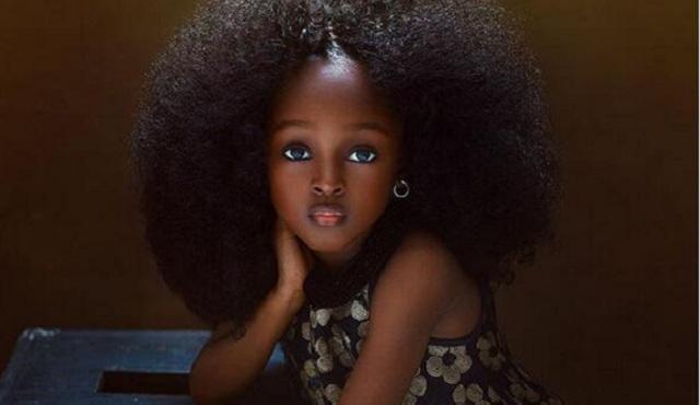 """尼日利亚5岁女童美照走红网络 被赞""""惊艳"""""""
