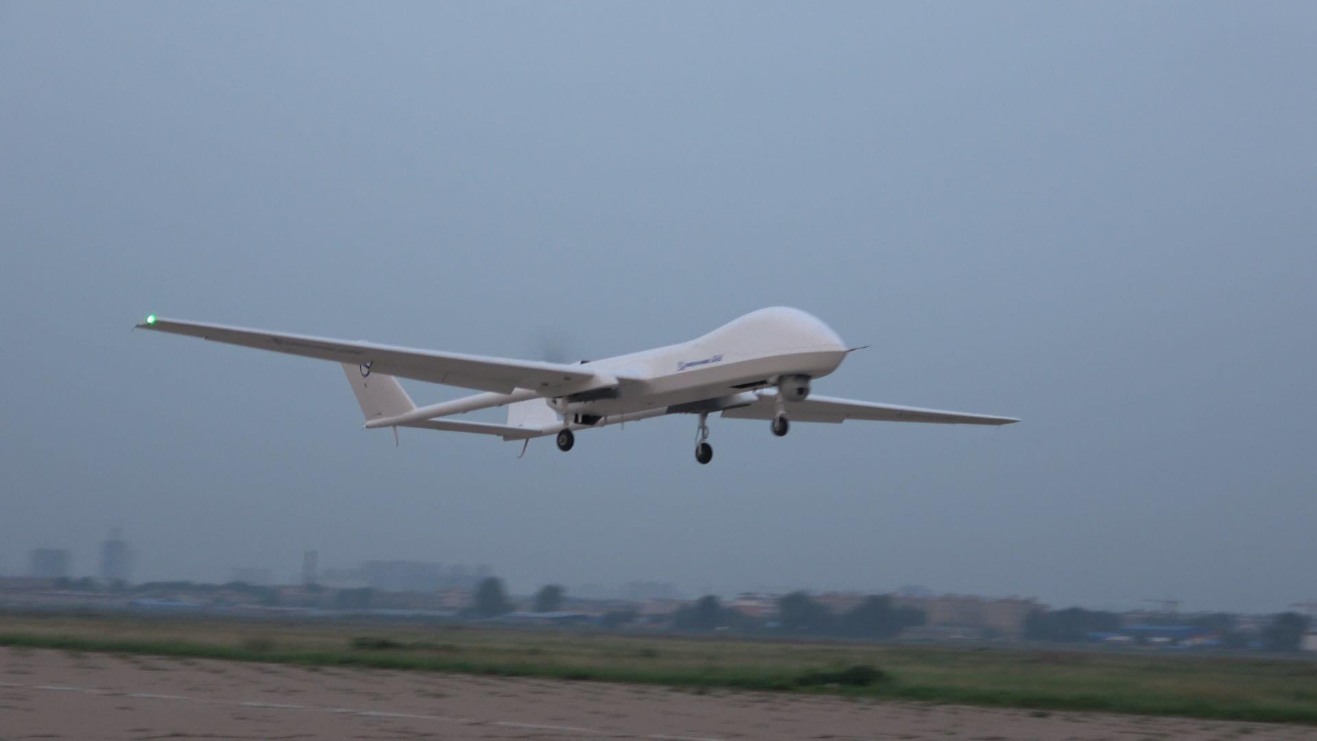 BZK005L天鹰无人机改进测试成功 中高空长航时