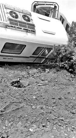 地铁测试列车侧翻 事故造成两人受伤
