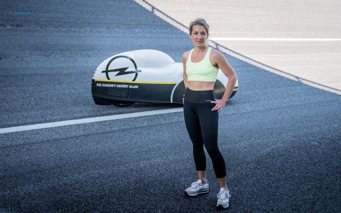 女性24小时人力车耐力挑战再创新纪录