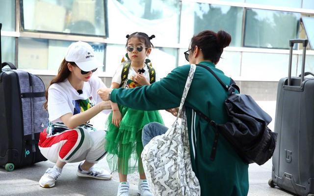 李湘给女儿穿Dior,戚薇给女儿穿Gucci,好像都输给了小S的女儿!