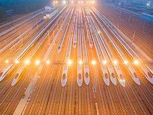 激荡四十年·铁路大动脉