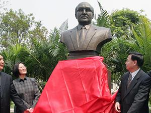 激荡四十年·盘点影响中国的外国专家