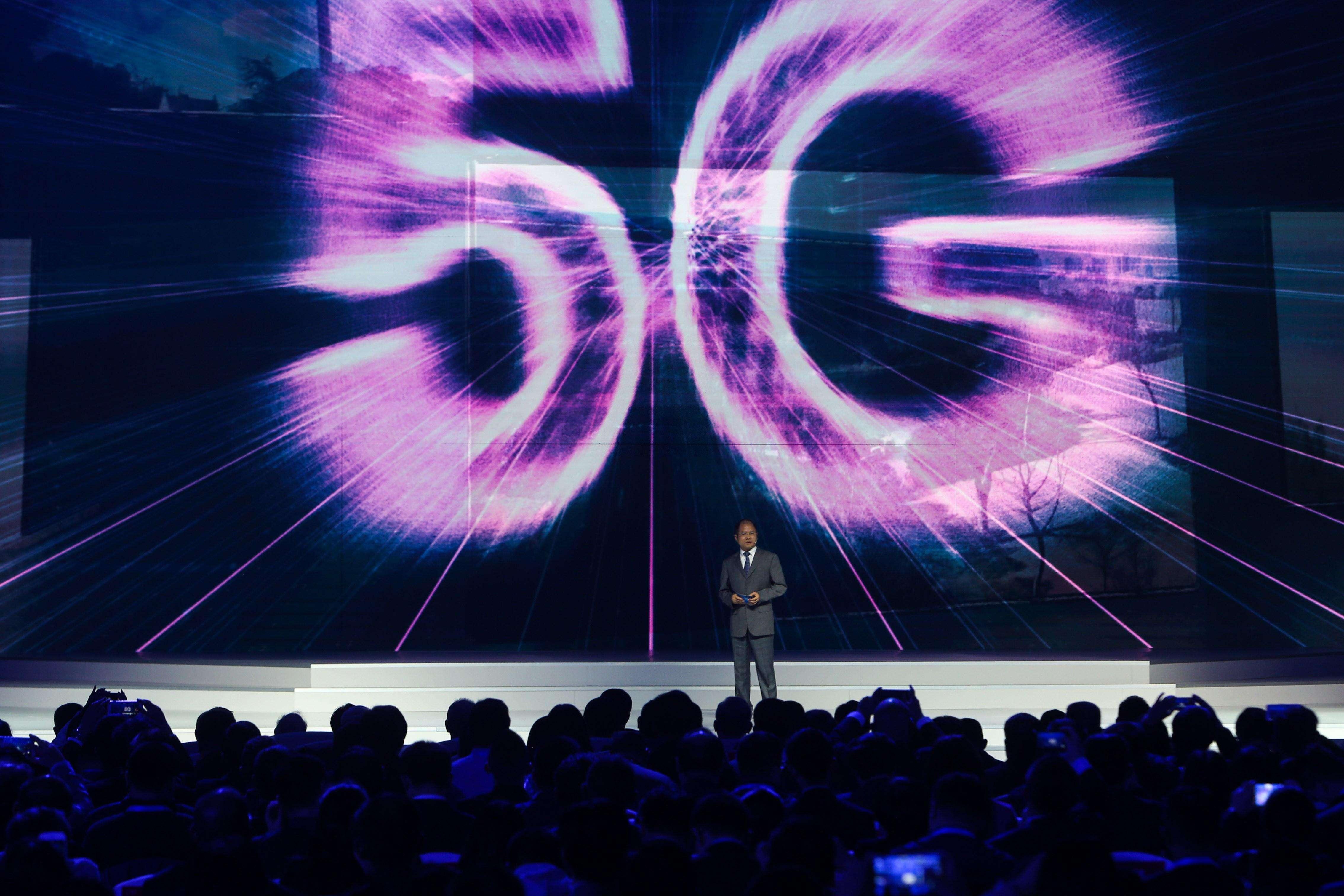 华为将推出首款5G手机:采高端铜片增强散热