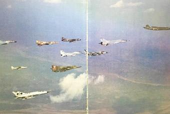 印度空军一张图里有10款不同战机 来自4个国家