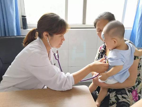 河南医生开一毛九的药治好孩子成网红,被赞:良心药方