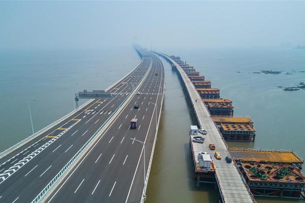 新建福厦铁路泉州湾跨海大桥高温下紧张施工