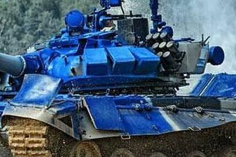 太拼了!坦克大赛T-72坦克坦克炮塔差点被颠飞