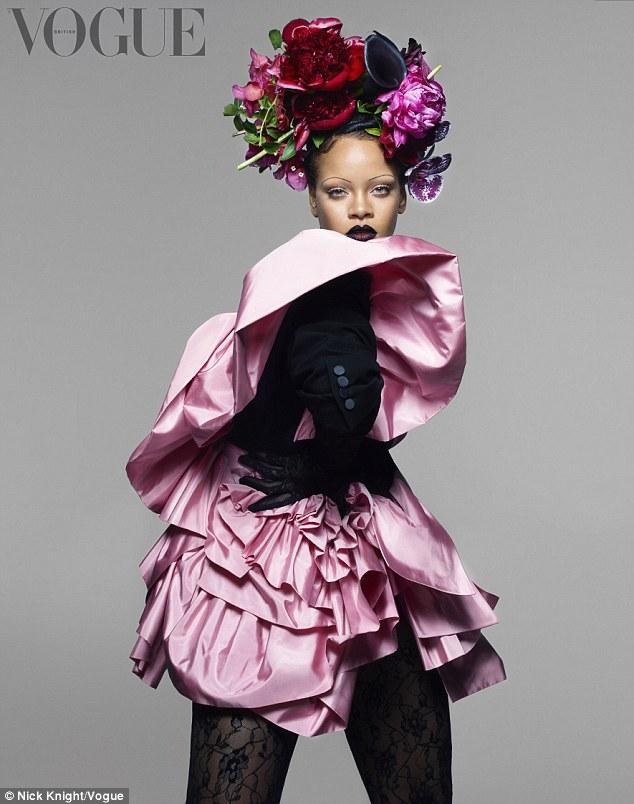 蕾哈娜登《Vogue》杂志 自爆爱秀身材不能停