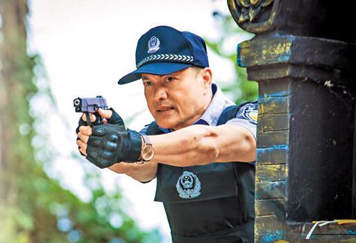 """吕良伟配合公安部打击贩卖儿童 """"打拐英雄""""上阵"""