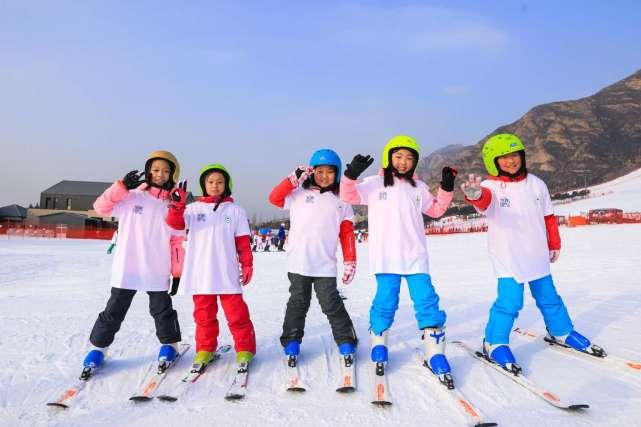 全国青少年夏季滑雪挑战赛在京举办 超300人参加