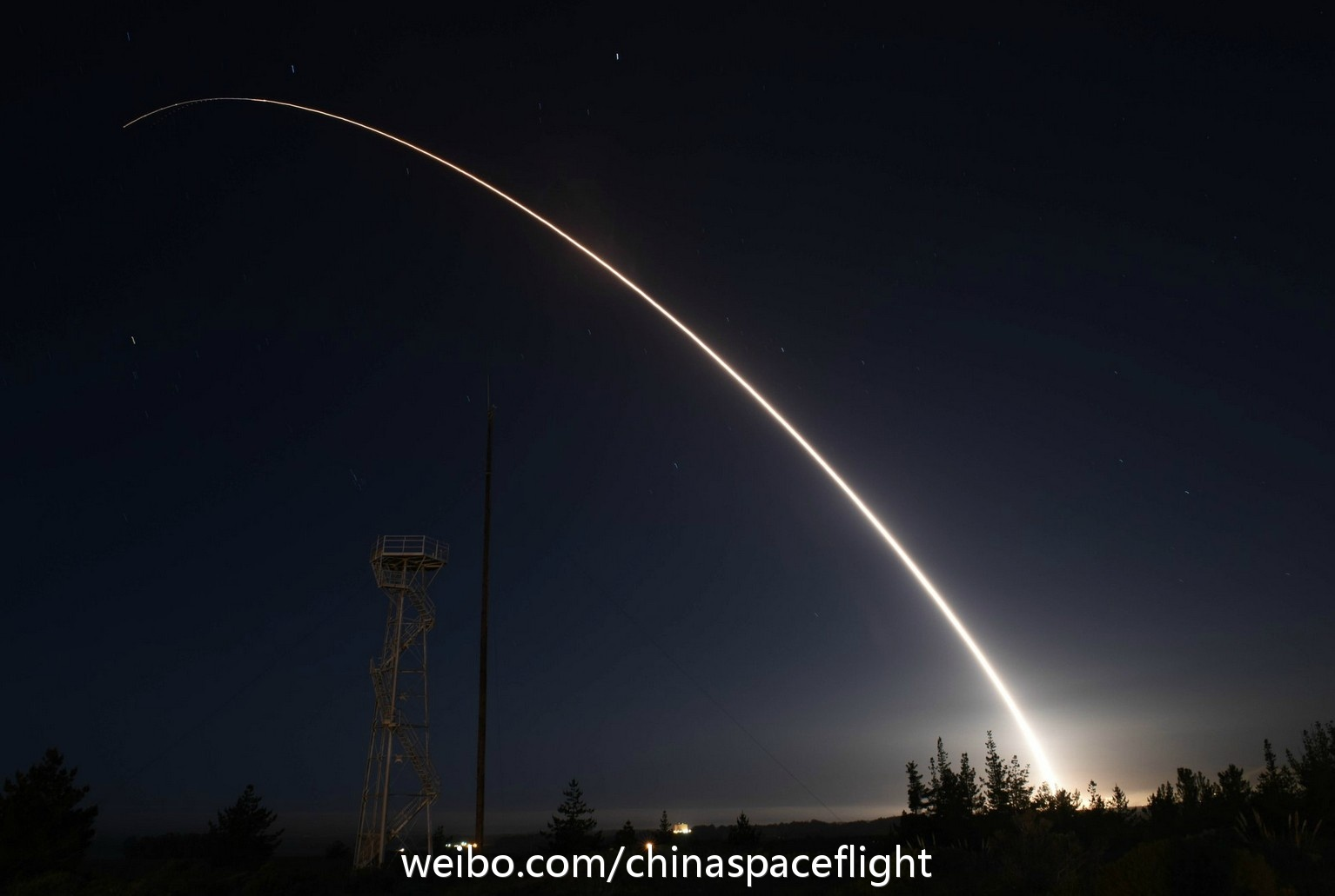 """美国民兵3洲际导弹试射出现异常 被""""安全引爆"""""""