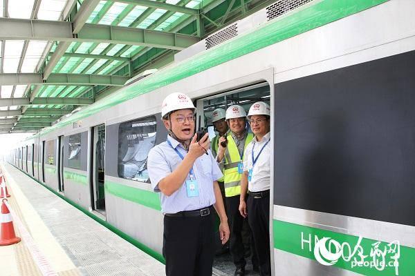 中企承建越南河内首条城铁完成热滑测试