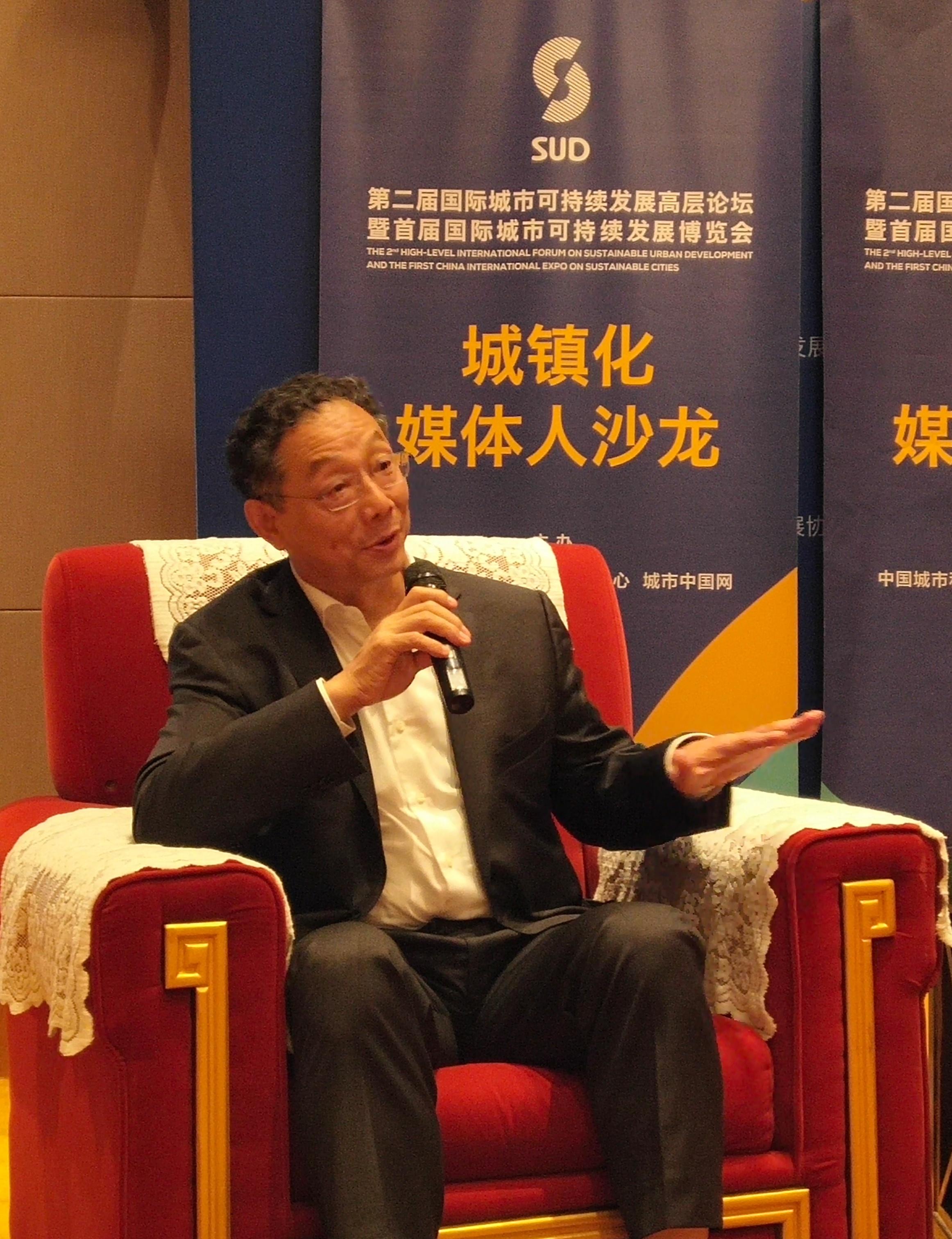 李铁:城镇化启动内需具有最大潜力