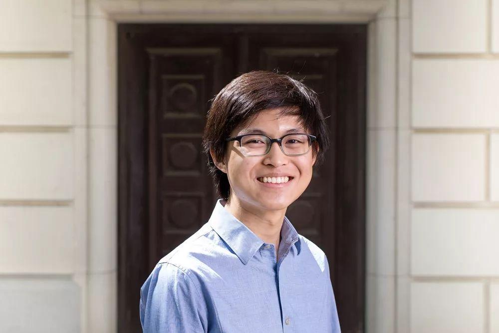 18岁华裔大学生证明量子计算在推荐问题上没什么用